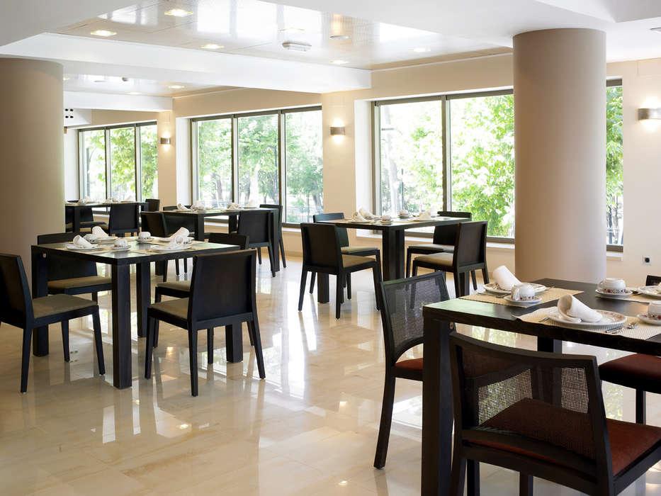 Sercotel Los Llanos - Salle de petit déjeuner