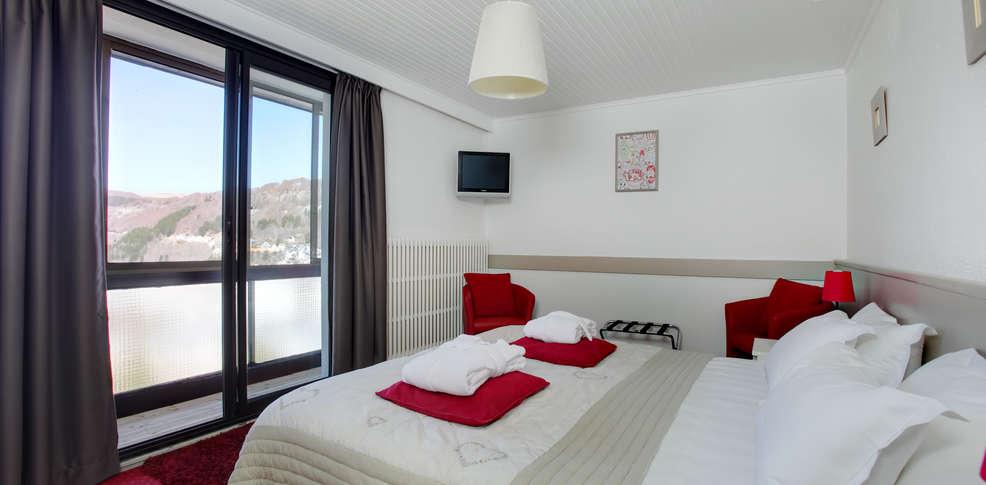 Week end de charme le mont dore avec 1 acc s l 39 espace for Hotel mont dore avec piscine interieure
