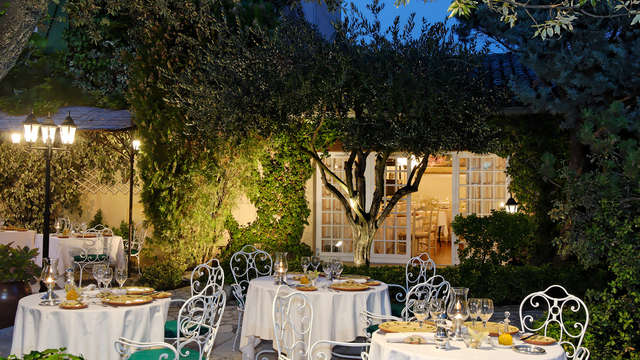 Auberge de Cassagne et Spa - Auberge de Cassagne terrasse restaurant