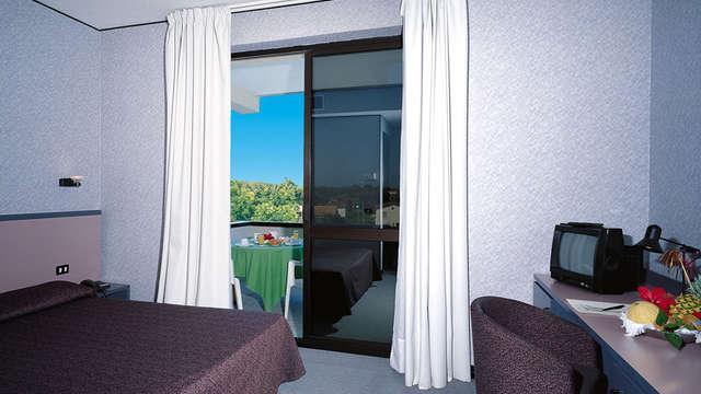 1 notte in camera doppia standard vista giardino per 2 adulti