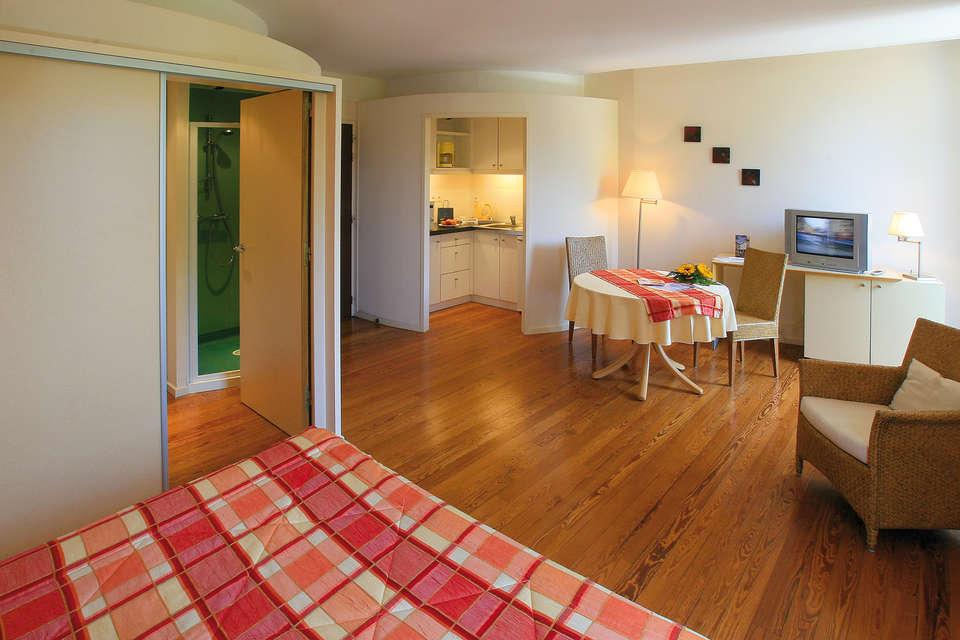 Hôtel Résidence les Sources - Luxeuil les Bains - Chambre standard