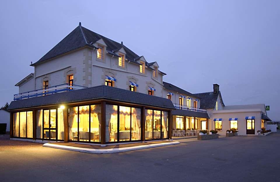 Hôtel Les 13 Assiettes - Front