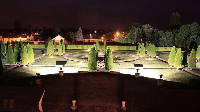 Chateau de Gilly - Jardin a la francaise de nuit z