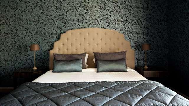 Hotel Chateau Et Spa Grand Barrail - chambre grise maison du bien etre