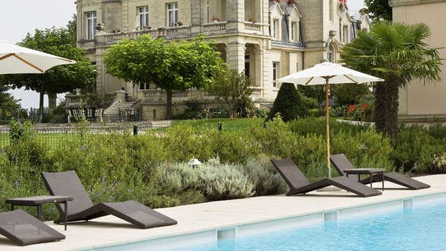 Hotel Chateau Et Spa Grand Barrail - Vue Chateau cote Piscine Hotel Grand Barrail