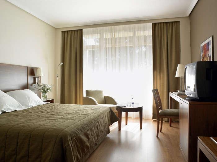 Sercotel Los Llanos - dormitori_gran_jpg
