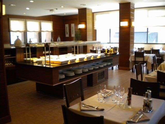 Hotel Solineu - 18_Buffet_jpg