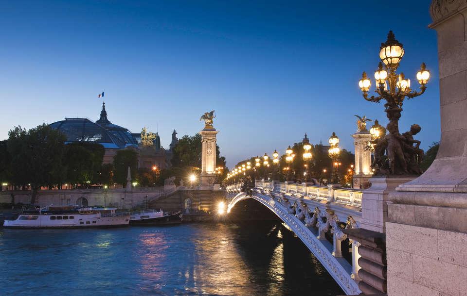 Timhôtel Bd Berthier Paris XVII ème - Vue Pont Alexandre III