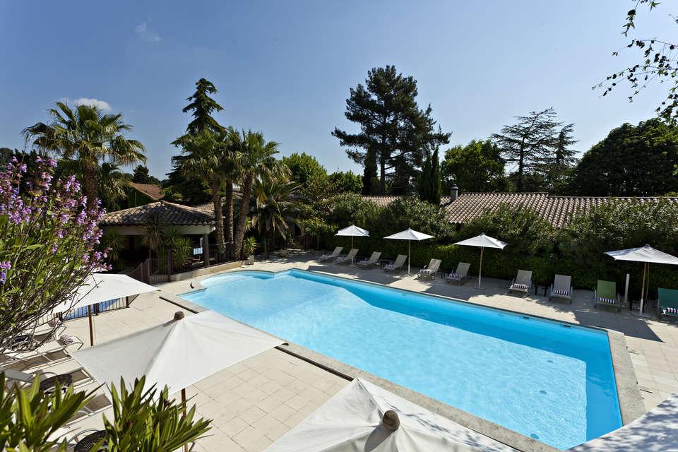 Najeti Hôtel la Magnaneraie - piscine_jpg