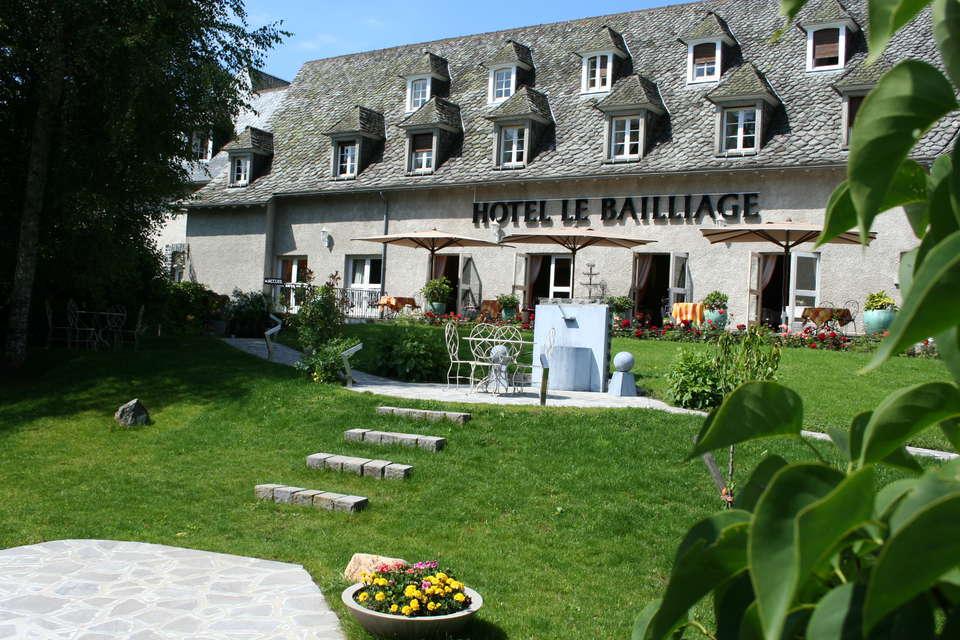 Hôtel le Bailliage  - vue_hotel_terrasse_jpg