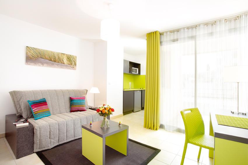 Appart'City Confort La Ciotat – Côté Port  - park_and_suites_elegance_la_ciotat_studio2_jpg