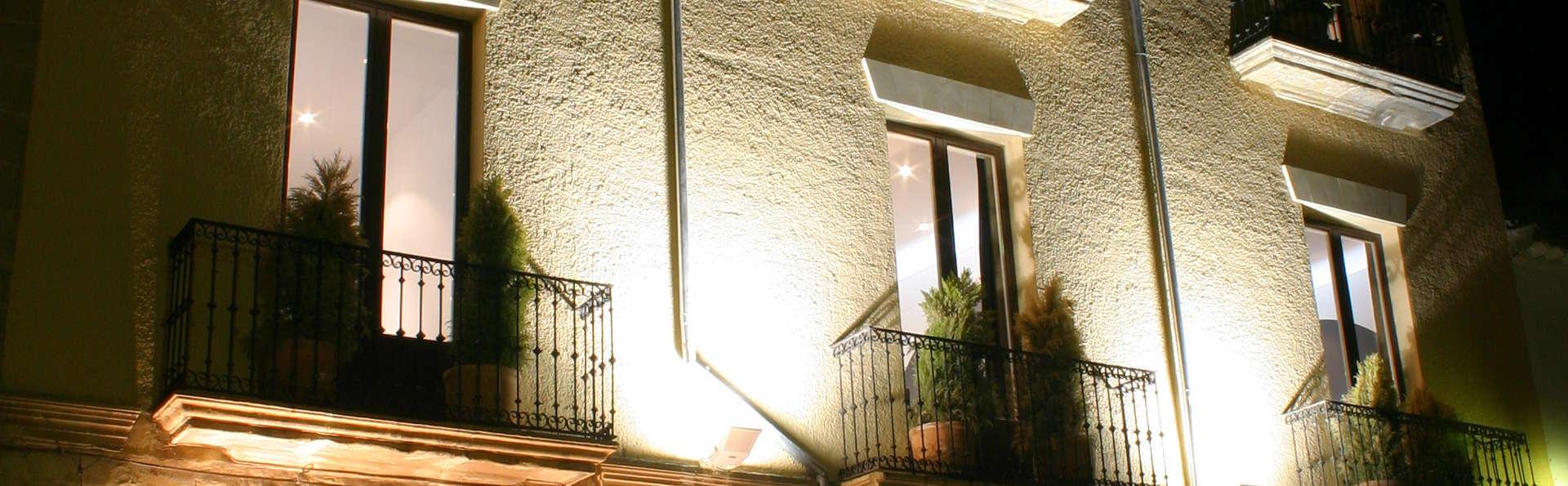 Hotel Fuentenueva - Façade