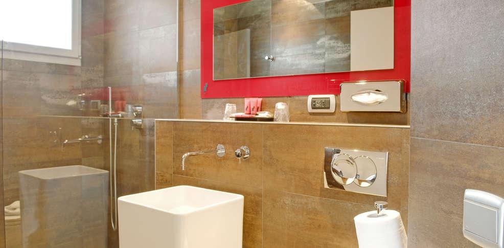Chat noir design h tel old paris france for Hotel design wallonie