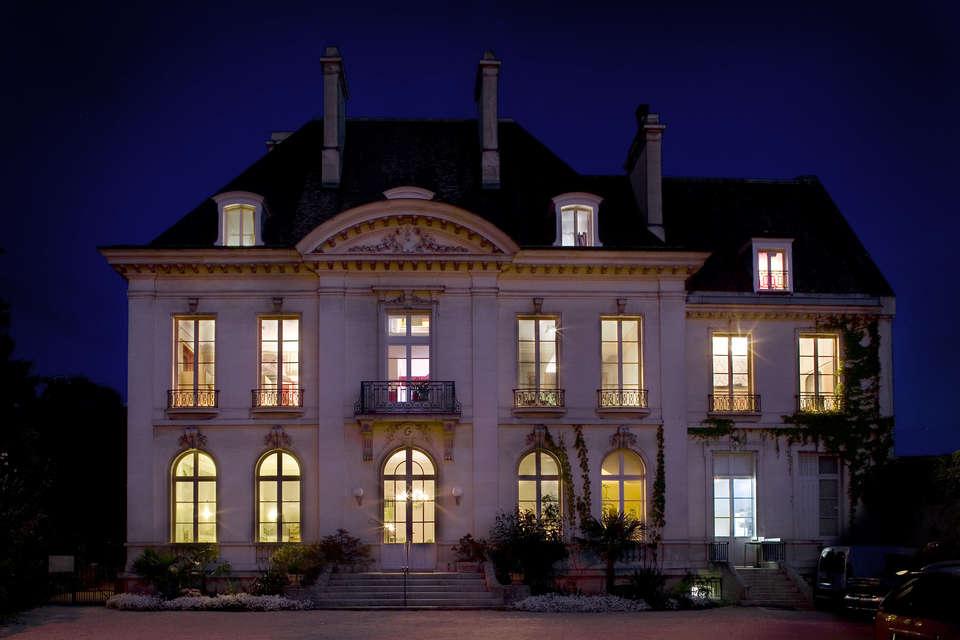 Hôtel Restaurant La Gourmandine - Front
