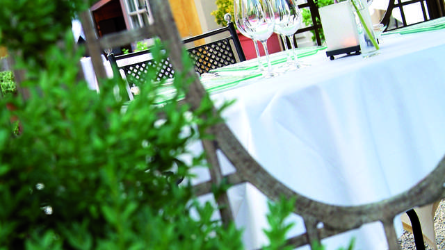 Chateau de Candie - Terrasse restaurant HD