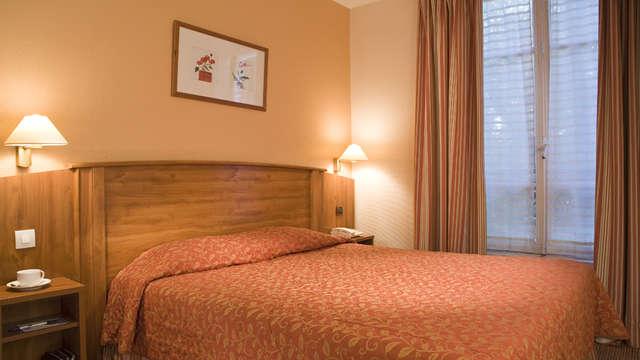1 noche en habitación doble confort para 2 adultos
