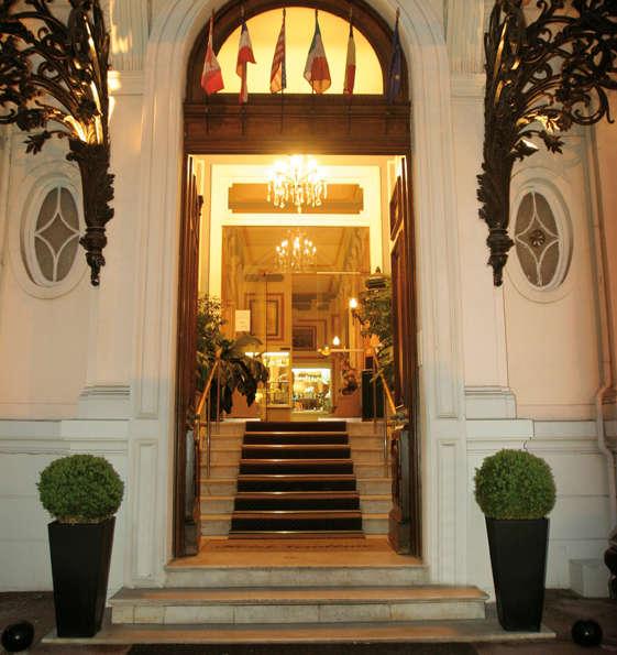 Hôtel Vendôme - PORTE_D_ENTRRE_jpg