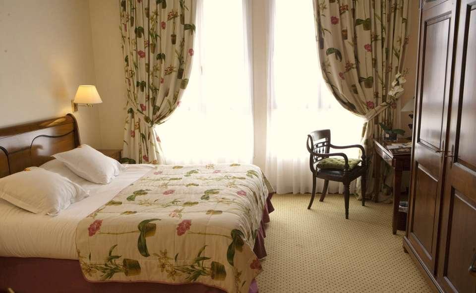 La Grange de Condé - La_grange_de_conde_chambre.jpg