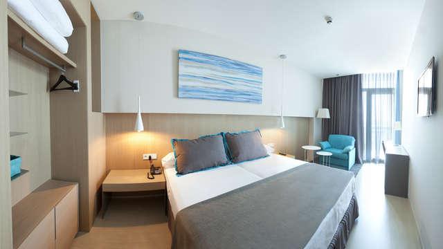 1 noche en habitación doble estándar vista al mar para 2 adultos