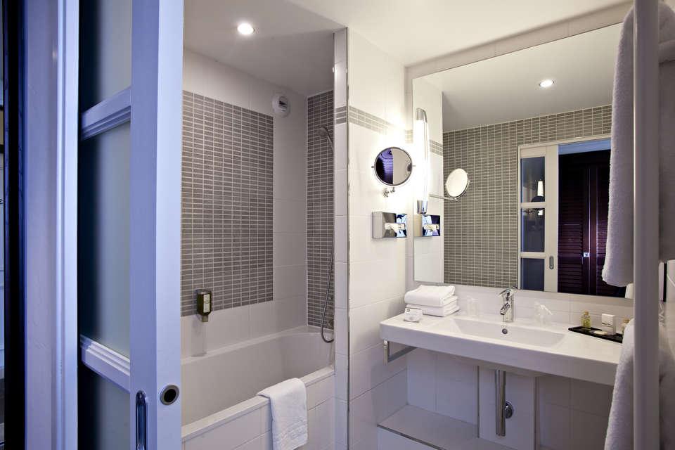 Najeti Hôtel du Golf  - Salle de bain