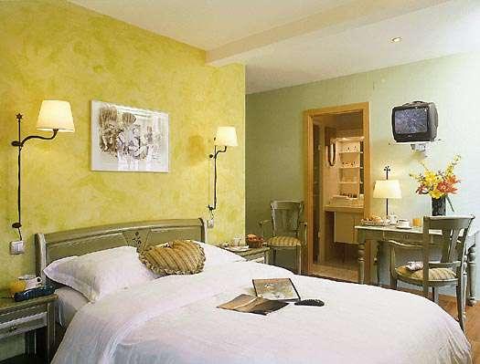 Logis hôtel du Faudé - hotel_chambre_verte_l525px.jpg
