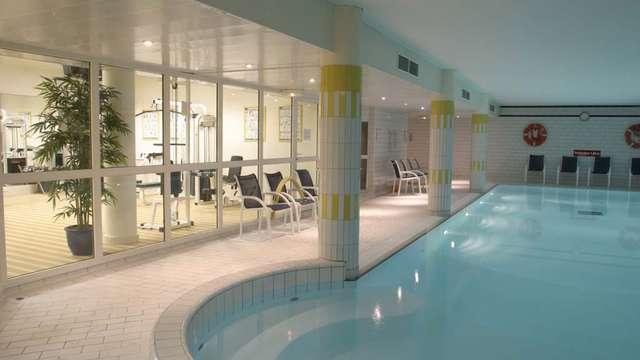Mercure Chantilly Resort Conventions - Piscine interieure New