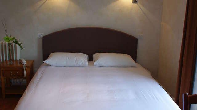 1 nuit en chambre double supérieure Vue montagne pour 2 adultes
