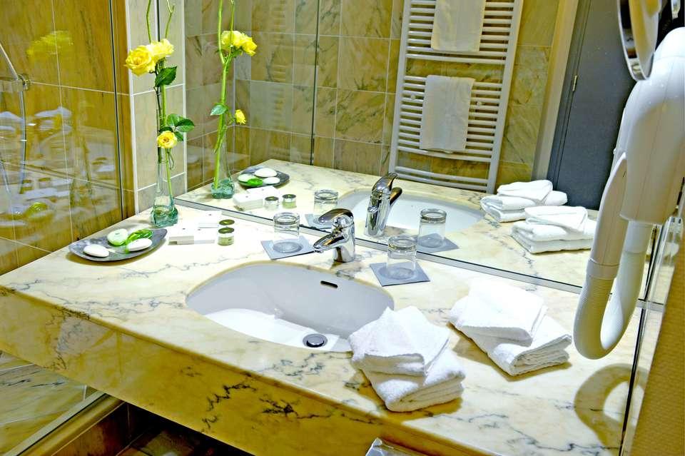 Hôtel Alliance Couvent des Minimes - Bathroom