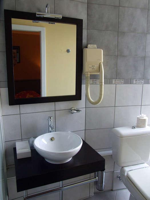 The Originals City, Hôtel de l'Ange, Colmar Sud (Inter-Hotel) - Salle de bain