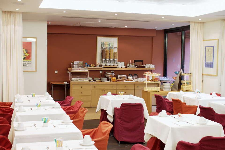 Hôtel Napoléon - Salle de petit déjeuner