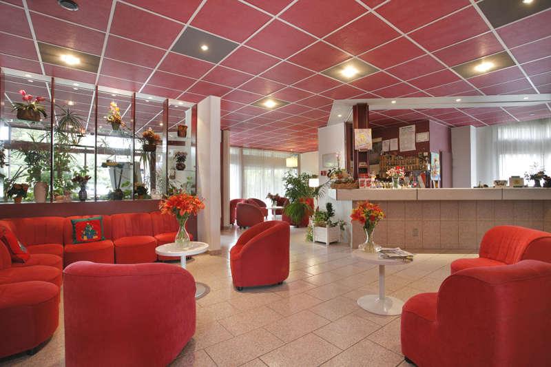 The Originals City, Hôtel L'Arc-En-Ciel, Thonon-les-Bains (Inter-Hotel) - Reception