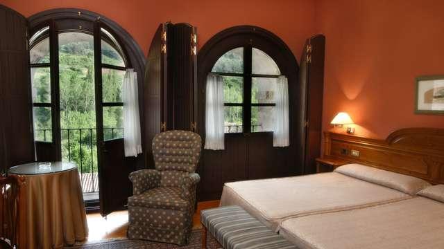 2 noches en habitación doble estándar vista a los jardines para 2 adultos
