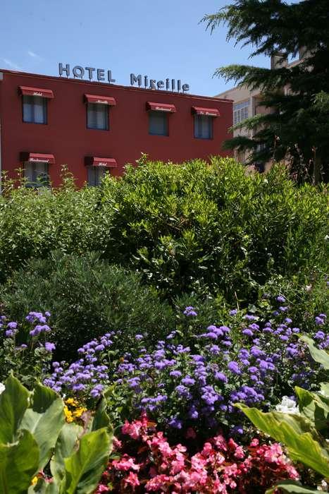 Hotel The Originals Arles Mireille (ex Inter-Hotel) - InterHotelMireille_Facade.JPG