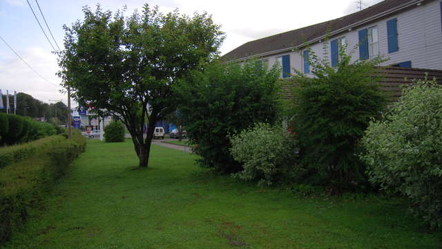 INTER-HOTEL Belfort Sud Le Louisiane - inter hotel le lousiane jardin