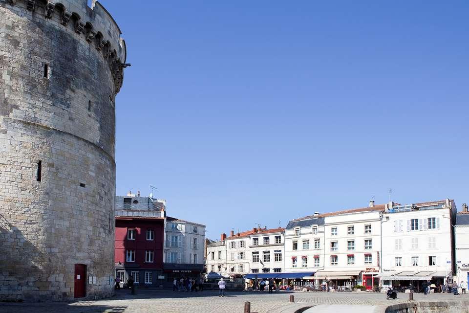 The Originals Boutique, Hôtel Saint Jean d'Acre, La Rochelle Vieux Port (Inter-Hotel) - Place_de_la_Chaine.jpg