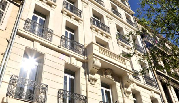 Hotel Marseille Charles - les balladins facade