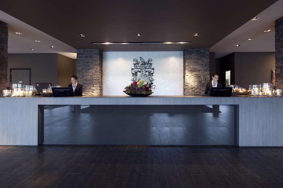 Van der Valk hotel Dordrecht - Receptie__03_.jpg