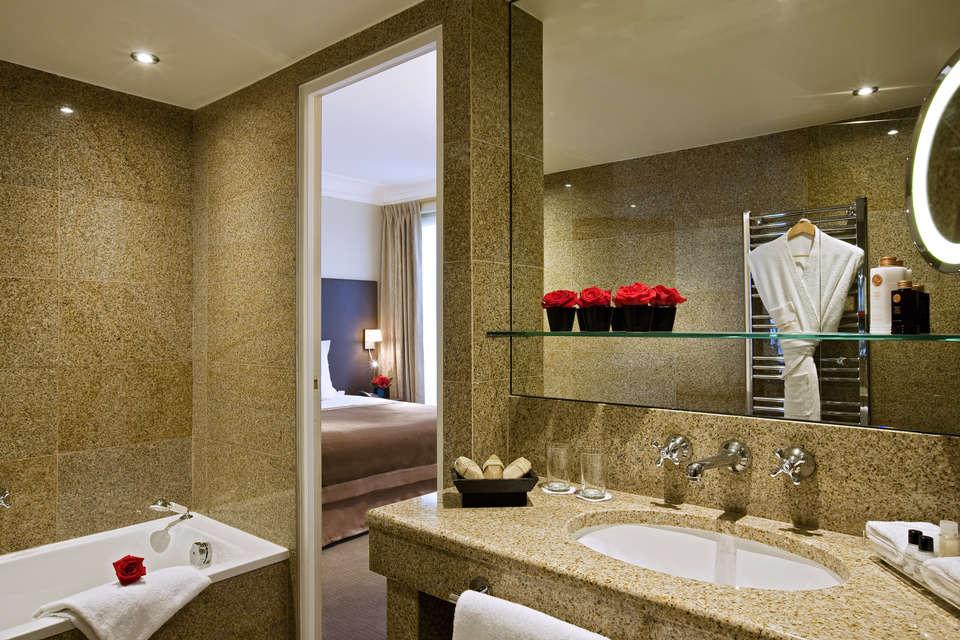 Saint James Albany Paris Hotel Spa - Bathroom suite