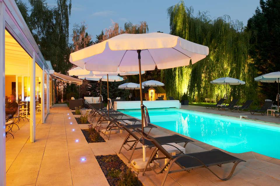 Hôtel Les Jardins d'Adalric - Obernai - Les_Jardins_d_Adalric_piscine_exterieure.jpg