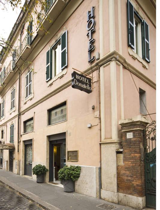 Hotel Donatello - Front_Picture.jpg