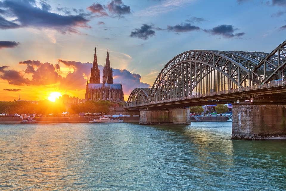 Dorint An der Messe Köln (Cologne / Keulen) - Fotolia_47209221_Subscription_XXL.jpg