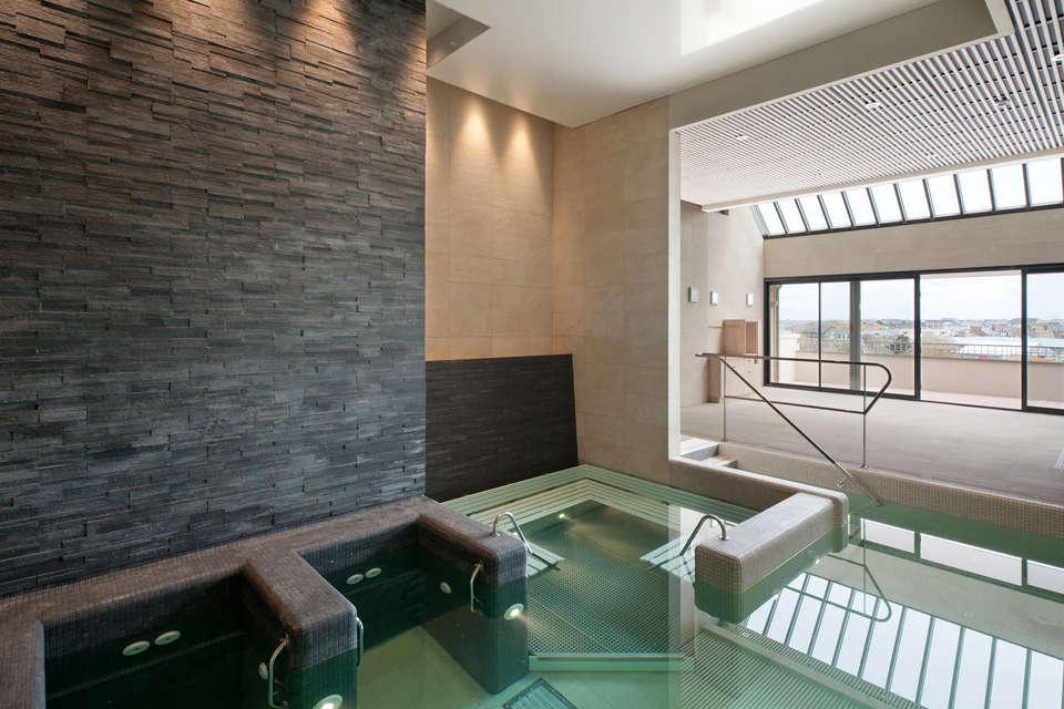Hôtel et Spa le Nouveau Monde - piscine.jpg