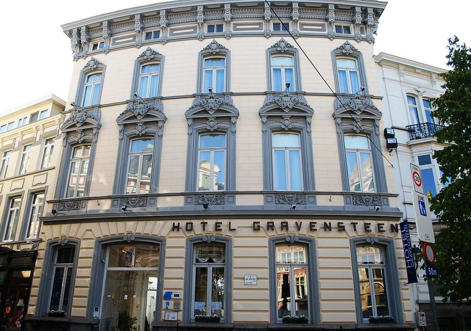 Gravensteen Hotel - Voorgevel.JPG