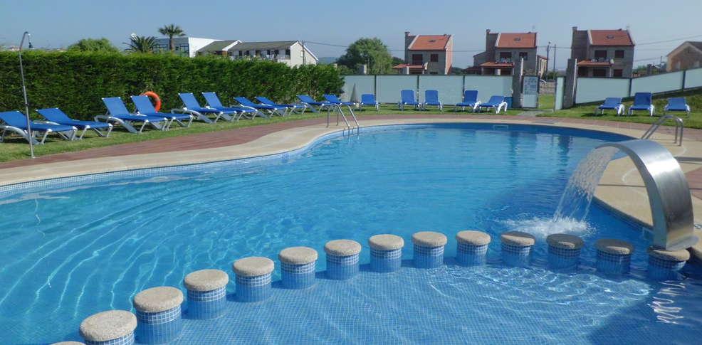 Escapadas fin de semana actividades en el norte sanxenxo for Isla leon piscina