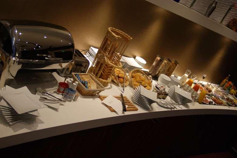 Hotel François Premier Cognac Centre - Salle de petit déjeuner