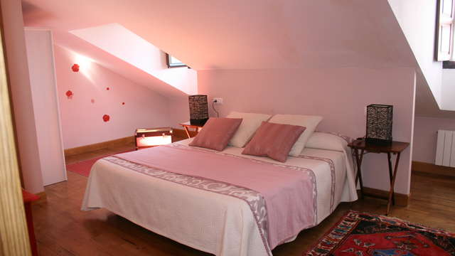 1 noche en habitación doble estándar vista a los jardines para 2 adultos