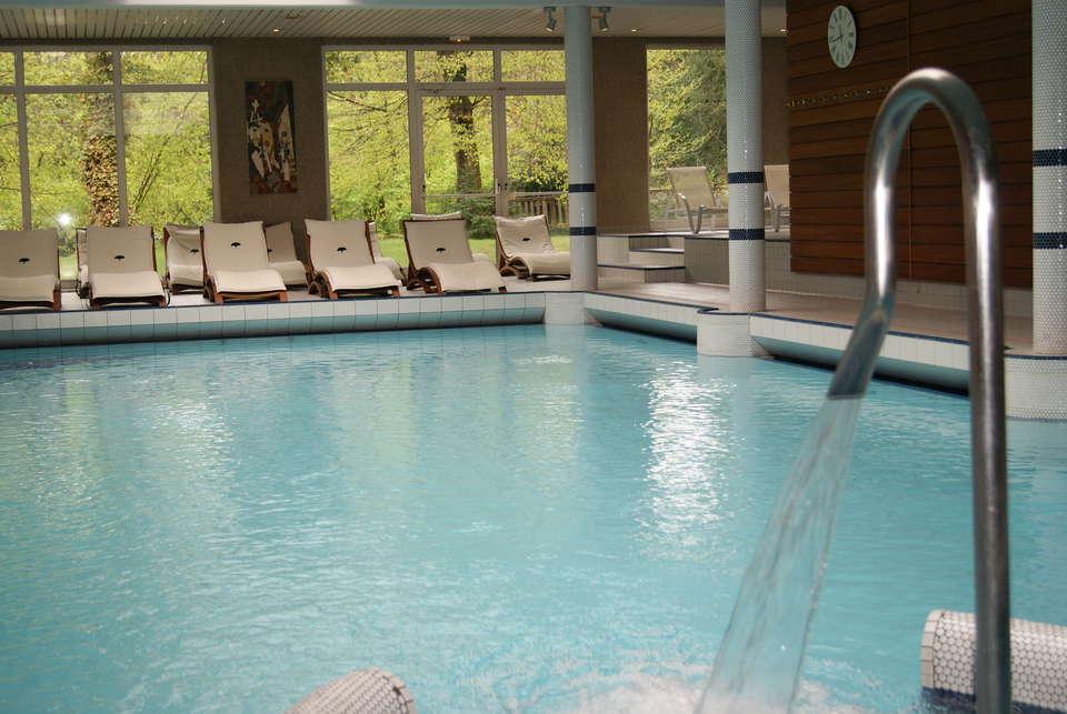 Hôtel Verte Vallée - piscine_nuque.JPG