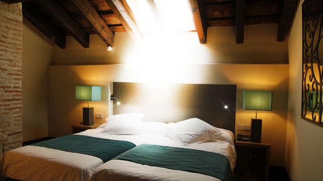 1 noche en habitación doble deluxe para 2 adultos