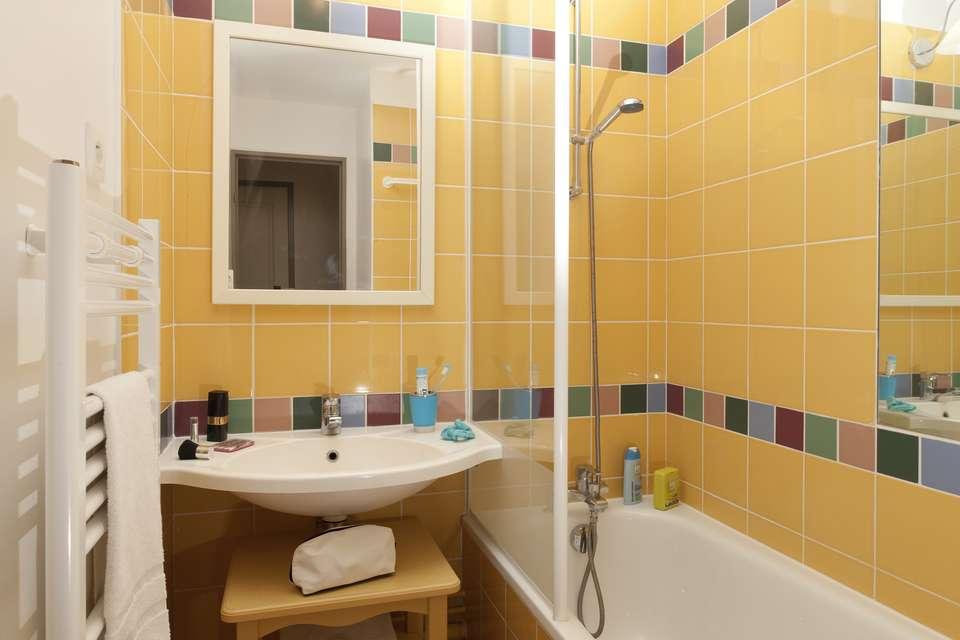 Pierre Et Vacances Les Terrasses d'Arcangues - Bathroom