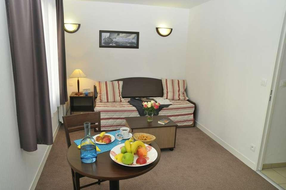 week end de charme angouleme partir de 54. Black Bedroom Furniture Sets. Home Design Ideas